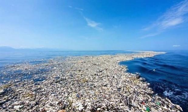 Plastikowa wyspa